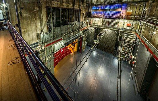 Vue des coulisses de la scène du Grand Théâtre