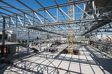 La dalle et la structure métallique de la piste de glace dédiée au public. <i>(Photo: Jean-Patrice Campion, Ville d'Angers)</i>