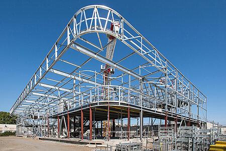 L'architecture de la nouvelle patinoire commence à prendre forme. <i>(Photo: Jean-Patrice Campion, Ville d'Angers)</i>
