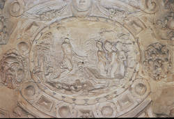 Cartouche central de la cheminée représentant Diane et ses nymphes au bain, surprises par Actéon© Ville d'Angers. Cliché Thierry Bonnet.