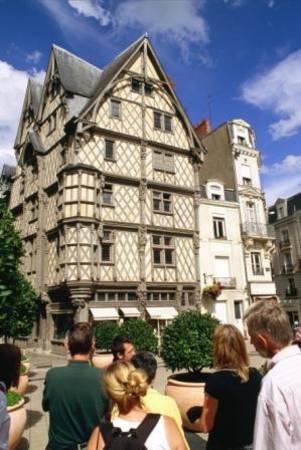 L 39 office de tourisme d 39 angers loire m tropole visites et conf rences ville d 39 art et d - Angers office du tourisme ...