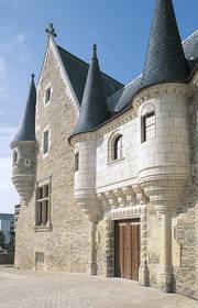 Porte d'entrée de l'Hôtel des Pénitentes © Ville d'Angers - Cliché Patrice Campion.