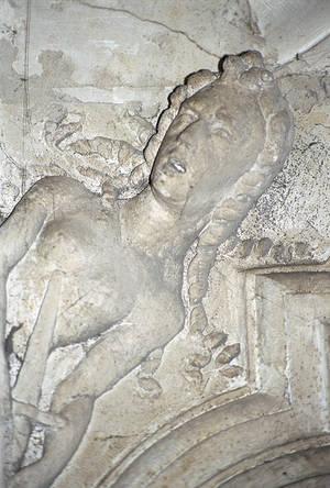 Porte d'entrée de la grande pièce du premier étage : Le suicide de Lucrèce.© Ville d'Angers- Cliché Stéphanie Vitard