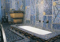 La salle de bain, point d'orgue du seul appartement de cet ensemble décoré intégralement dans le plus pur style Art Déco © 88, Cliché Bernard Renoux inventaire général - ADAGP