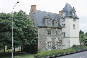 Vue générale côté Maine de l'hôtel du Roi de Pologne © Cliché Thierry Bonnet.