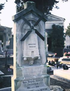 Tombe de Pierre-Théophile Berton. Copyright Ville d'Angers - © Cliché Sylvain Bertoldi