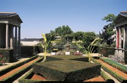 Jardin vue d'ensemble du vestibule © Cliché Stéphanie Vitard.Ville d'Angers.