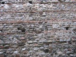Mur gallo-romain, rue Toussaint © Service éducatif Angers, Ville d'art et d'histoire.