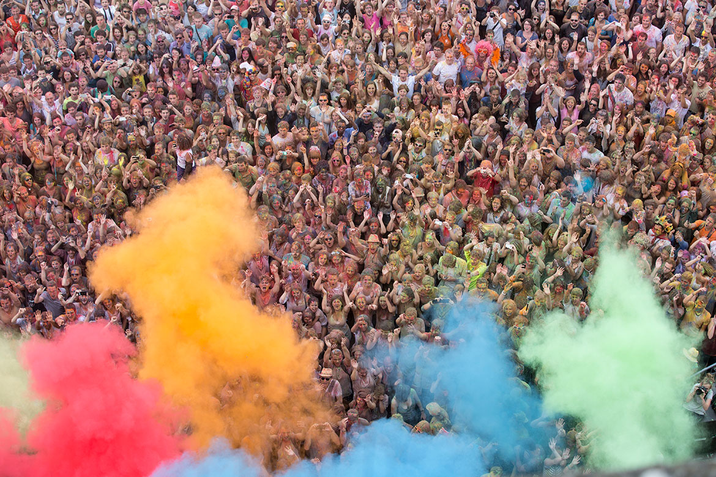 Accroche-coeurs 2014, fête des couleurs place du Ralliement.
