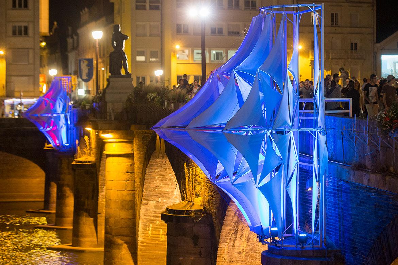 Accroche-coeurs 2016, installation pont de Verdun