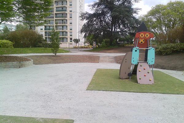 Réaménagement des espaces verts du square Henri Dunant