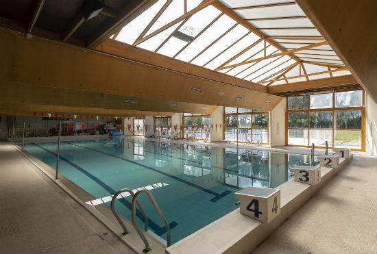 La piscine actuelle est impossible à réhabiliter.