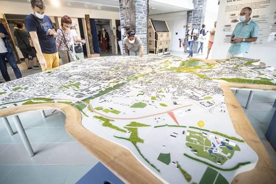 Photo de la maquette d'Angers, au Repaire urbain.