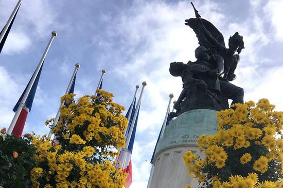 Monument aux morts, place Leclerc