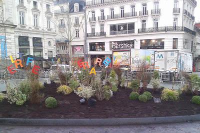 Jardin printanier sur la place du Ralliement