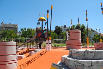 Cours Saint-Laud, photo du nouveau jardin pour enfants.