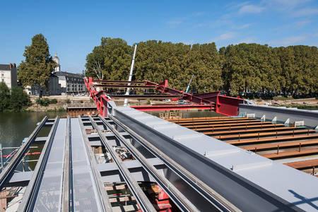 Le lancement d'une section du nouveau pont est prévu en octobre. (Photo: Jean-Patrice Campion, Ville d'Angers)