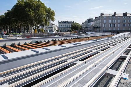 L'assemblage du tablier du pont des Arts-et-Métiers. (Photo: Jean-Patrice Campion, Ville d'Angers)