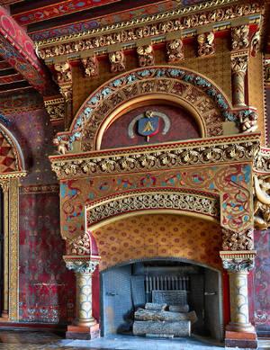Salon d'honneur, premier étage, cheminée aux armes de l'évêque Freppel.