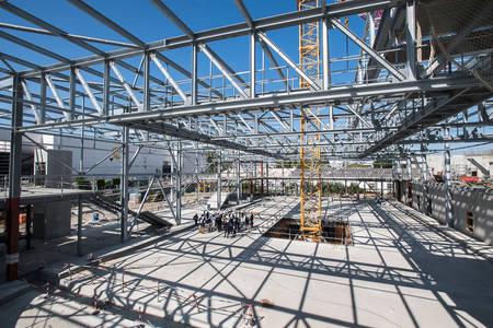 La dalle et la structure métallique de la piste de glace dédiée au public. (Photo: Jean-Patrice Campion, Ville d'Angers)