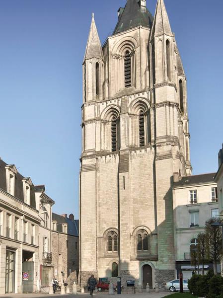 Photo de la tour Saint-Aubin.