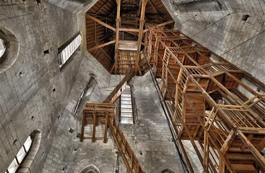La chambre des cloches: partie supérieure et charpente.