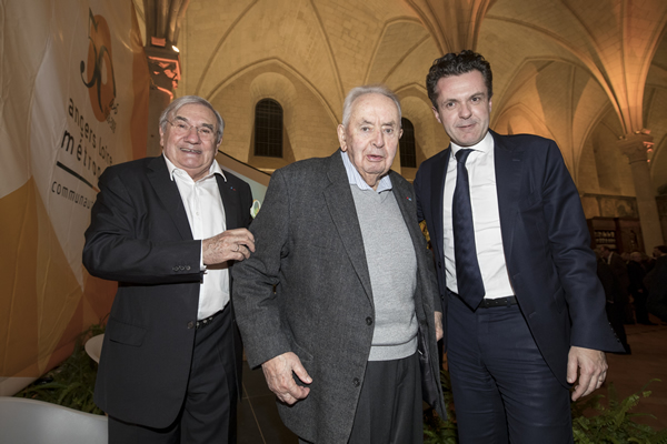 Angers rend hommage à Jean Monnier