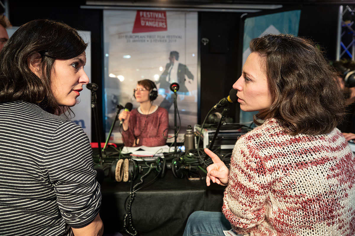 Plateaux Radio Campus et Radio G, avec comme invitées Dune Cherville, audiodescriptrice, et Violaine d'Aboville,responsable de l'accueil des personnes en situation de handicap.