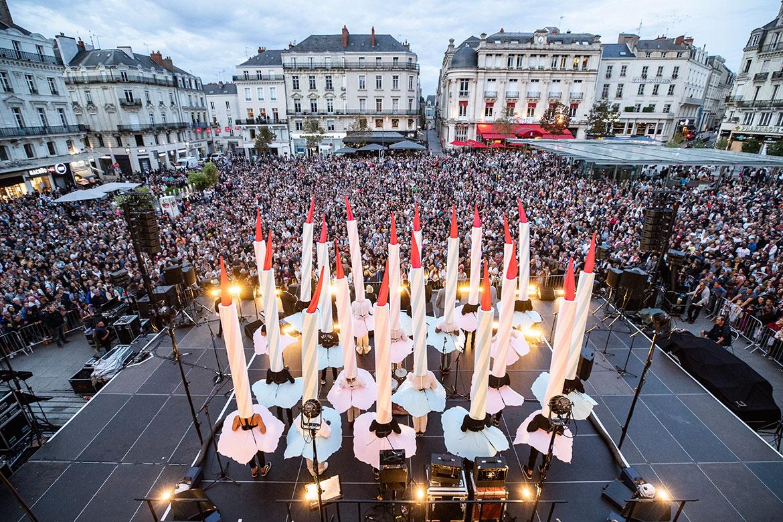 Cérémonie d'inauguration place du Ralliement.