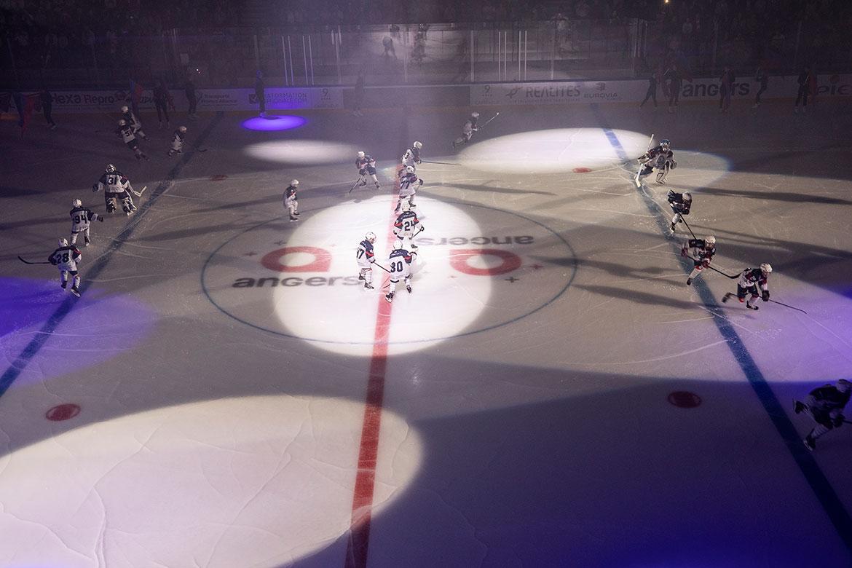 Les jeunes hockeyeurs de la section amateure de l'AHCA.