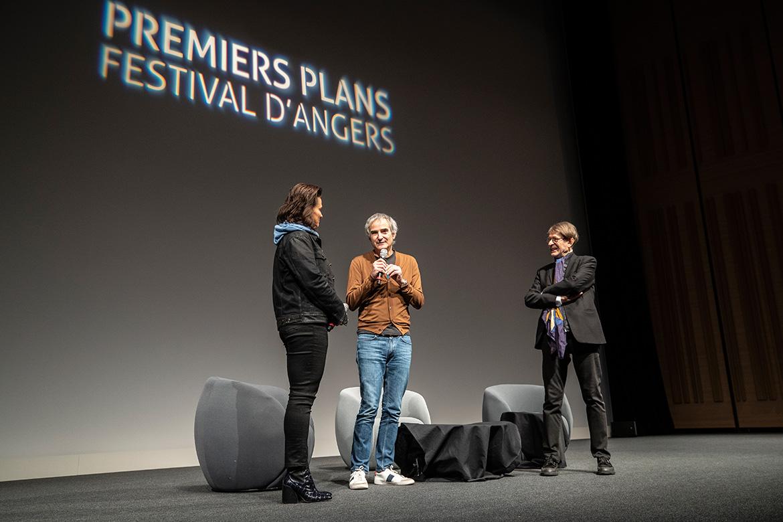 Rencontre avec Juliette Binoche et Olivier Assayas. A droite: Claude-Eric Poiroux, délégué général du festival.