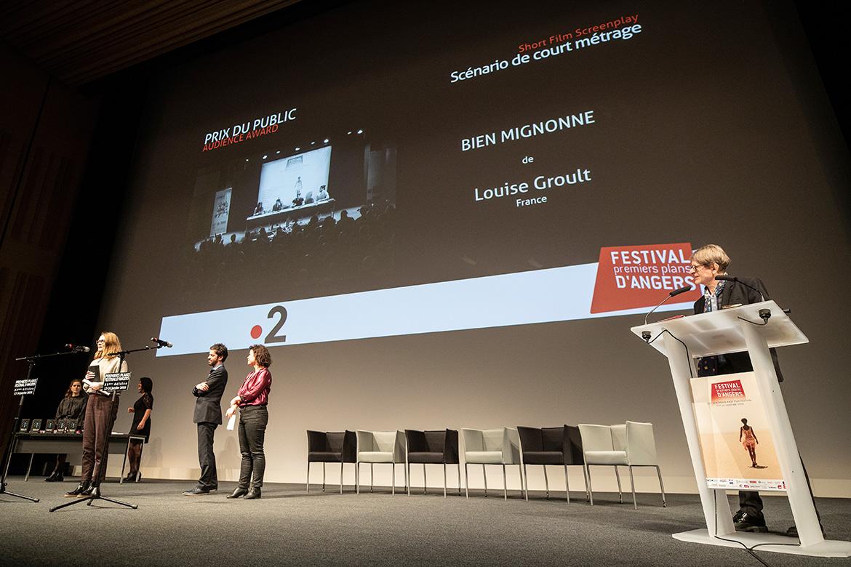 """Prix du public - Scénario de long-métrage: """"Bien mignonne"""", de Louise Groult."""