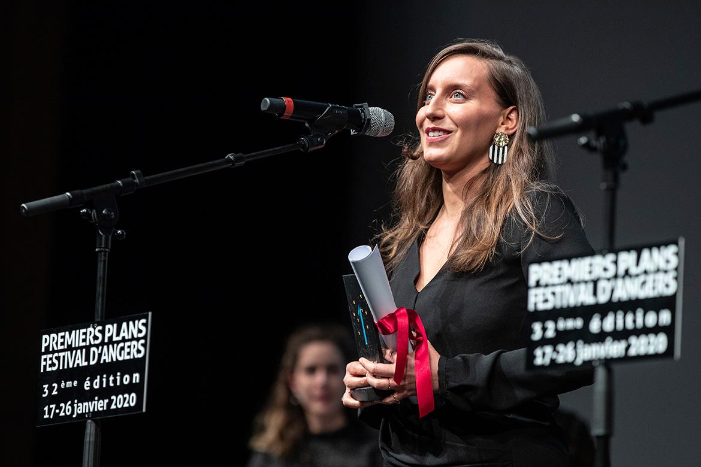 """Anaïs Volpé, scénariste  de """"Entre les vagues""""."""