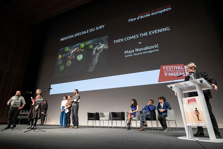 """Mention spéciale du jury - Film d'école européen: """"Then comes the evening"""", de Maja Novakovic."""