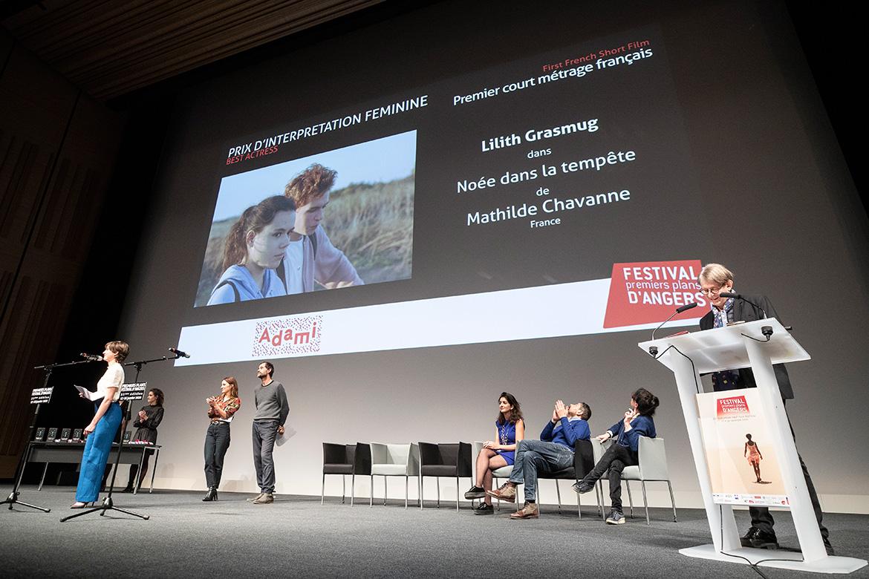 """Prix d'interprétation féminine - premier court-métrage français: Lilith Grasmug dans """"Noée dans la tempête"""", de Mathilde Chavanne."""