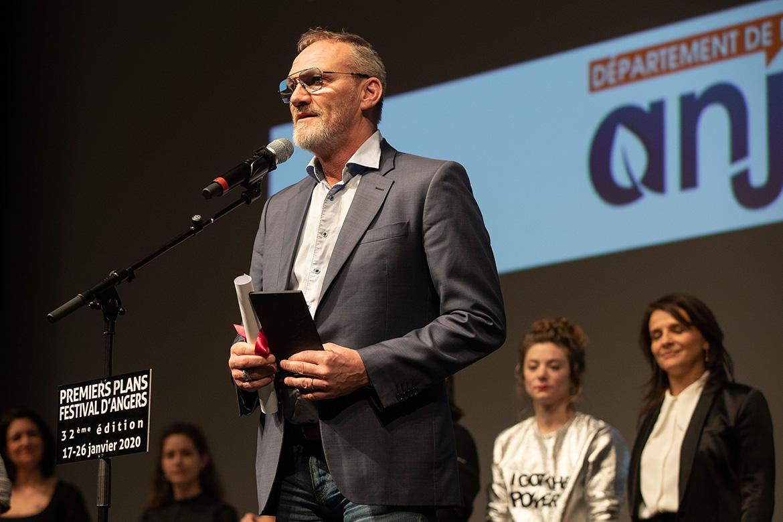 """Ingvar Eggert Sigurosson, prix d'interprétation dans """"Un jour si blanc""""."""