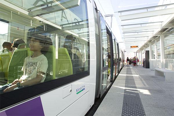 Inauguration de la première ligne de tramway, 2011