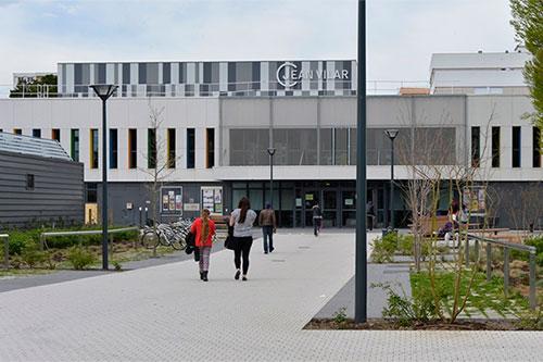 Les services du relais-mairie bénéficieront au centre Jean-Vilar d'une meilleure visibilité, au coeur d'un équipement très fréquenté par les habitants.
