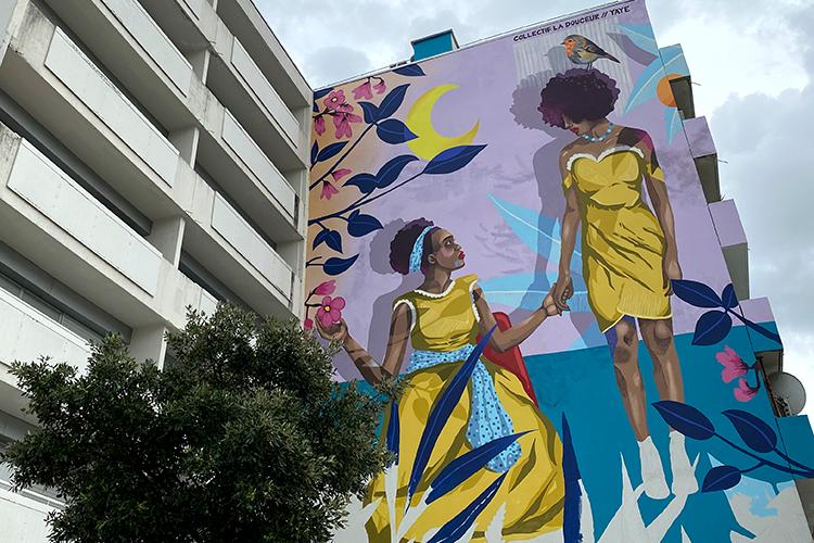 Photo de la fresque réalisée par le collecti La Douceur, dans le quartier de la Roseraie à Angers