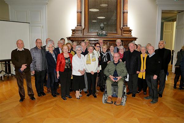 Photo des médaillés 2019, autour de Michelle Moreau, première adjointe au maire et déléguée à la Vie associative.
