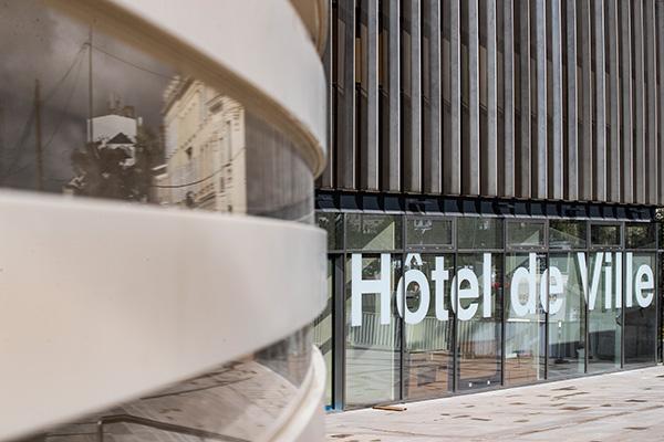 Le hall de l'hôtel de ville a rouvert ses portes