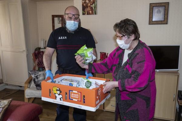 Coronavirus: les solidarités sont au rendez-vous