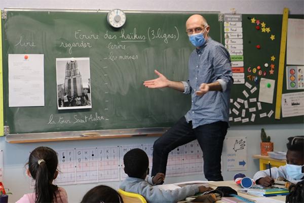 Des tours d'Angers aux haïkus: le printemps des poètes à l'école