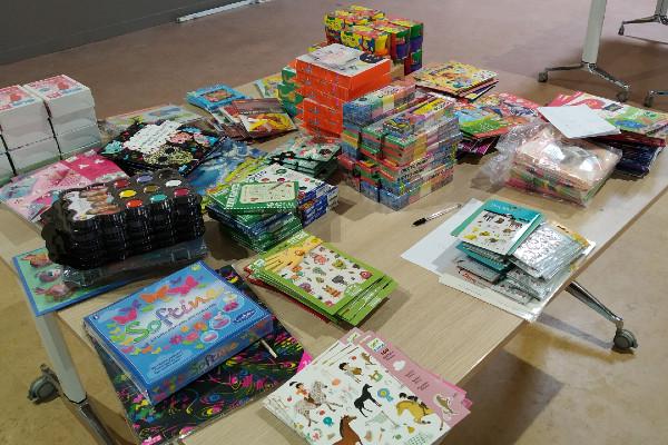 Des kits pédagogiques pour les enfants des familles démunies