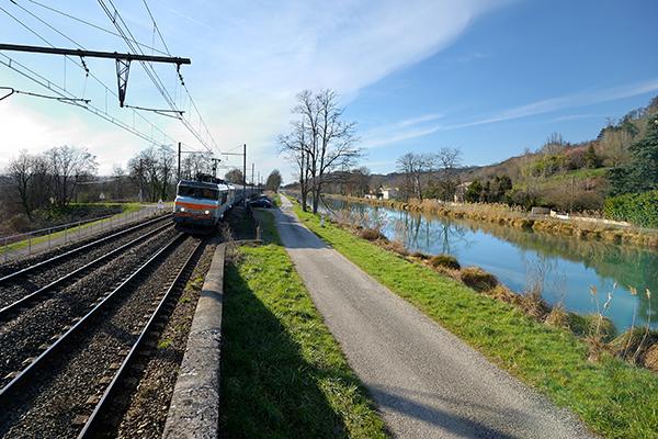 Travaux aux abords de la voie ferrée Angers - Le Mans