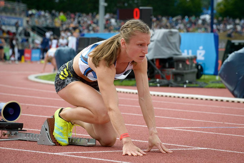 Photo d'Amandine Brossier au départ de la finale du 400m