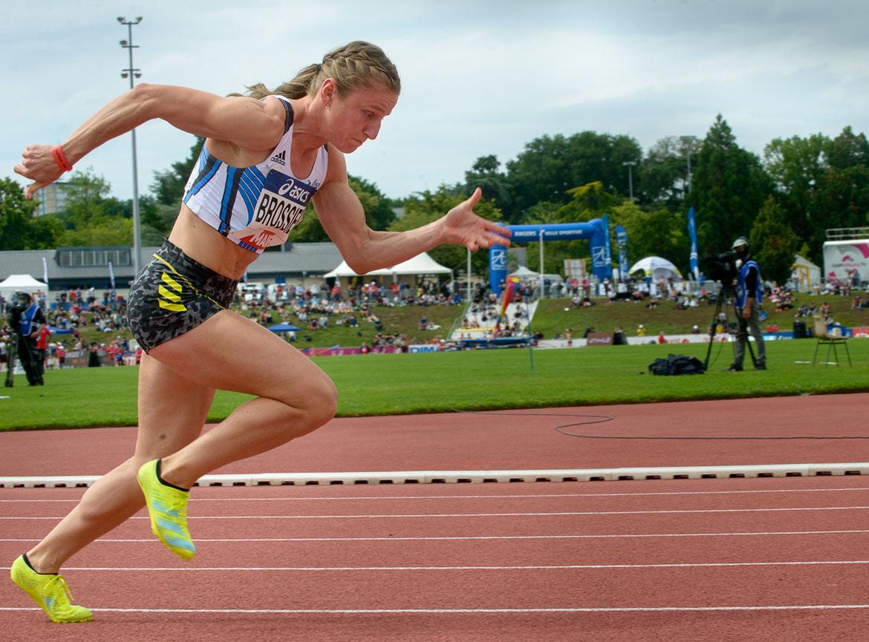 Photo de la course d'Amandine Brossier en finale du 400m
