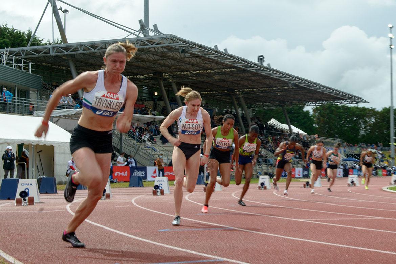 Photo du départ de la finale du 200m féminin.