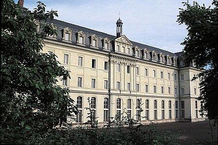 Lycée Joachim-du-Bellay