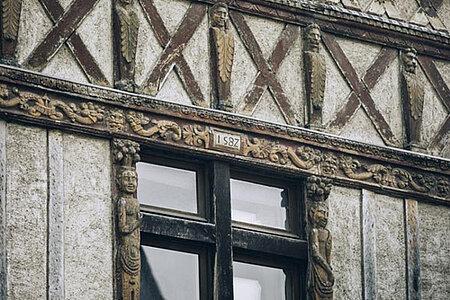 La Doutre, entre architecture médiévale et contemporaine